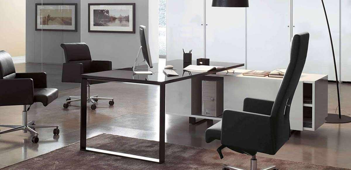 Scrivania direzionale vetro nero e mobile di servizio for Scrivania direzionale prezzo