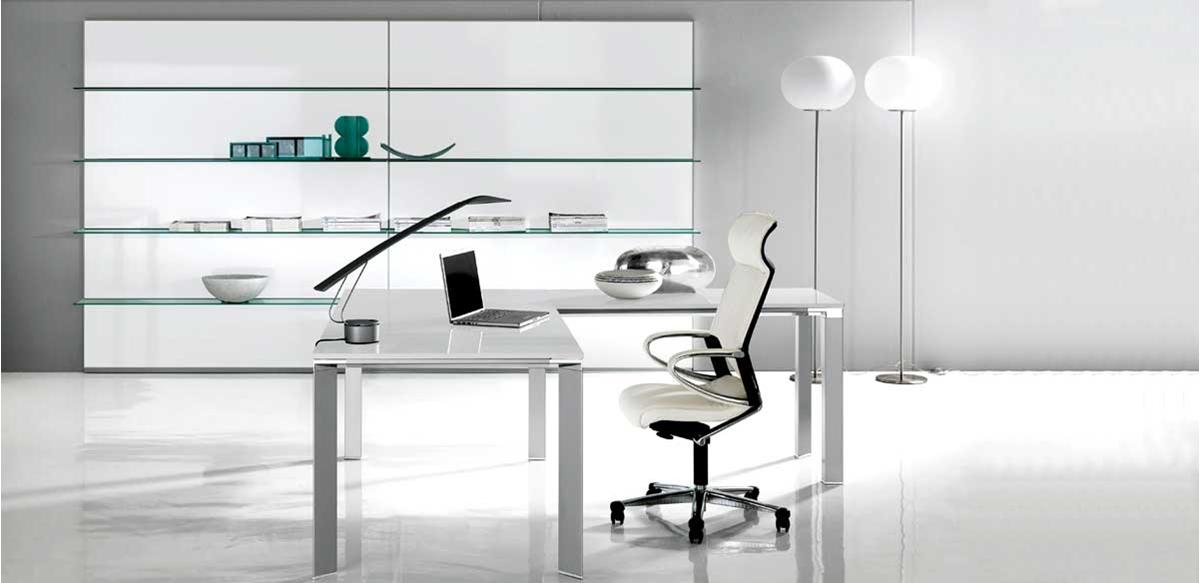 Mobili per ufficio arredo ufficio moderno con boiserie a for Arredo ufficio bianco