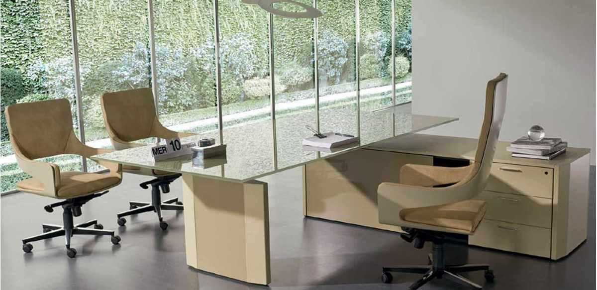 Scrivania cristallo extrachiaro con mobile servizio portante - Scrivania cristallo ufficio ...