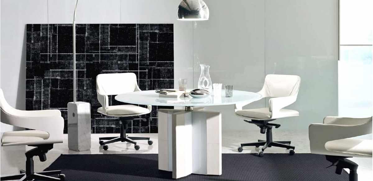 Mobili per ufficio tavolo riunioni cristallo e struttura for Tavolo cristallo e legno